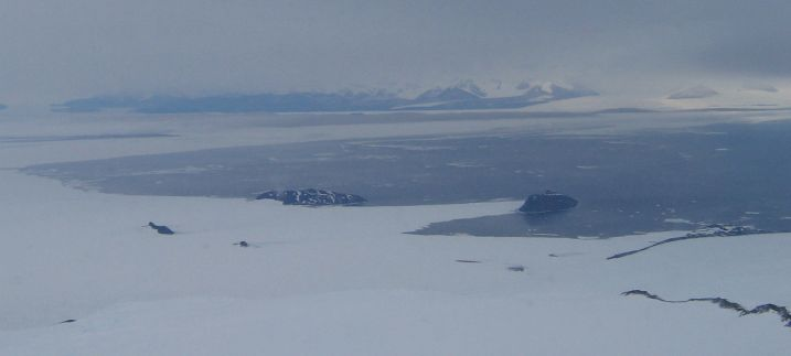 Sea_ice_from_Erebus.jpg (14046 bytes)