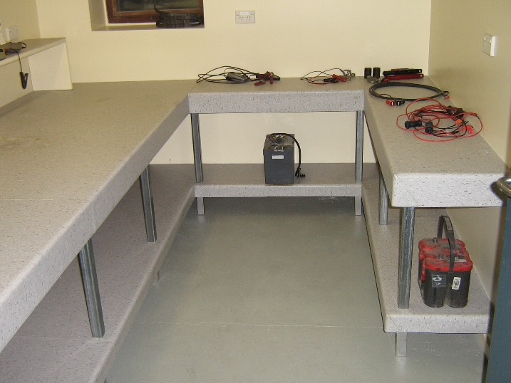 Battery_room_new_benches.jpg (99709 bytes)